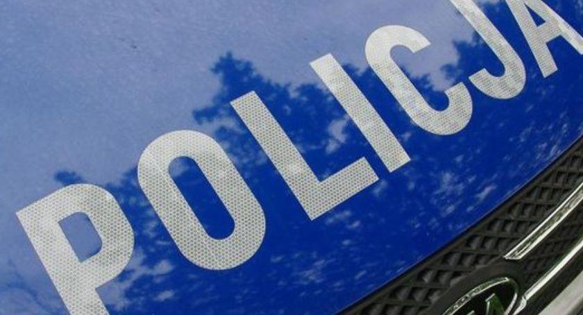 Na sygnale, Policja poszukuje sprawcy wypadku Wśród rannych roczne dziecko - zdjęcie, fotografia