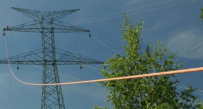 Komunikaty, Decyzja sprawie przebiegu linii Słupy przedmieściach Żyrardowa - zdjęcie, fotografia
