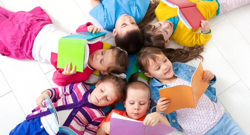 Widomości, Wakacyjne przygody Bibliotece - zdjęcie, fotografia