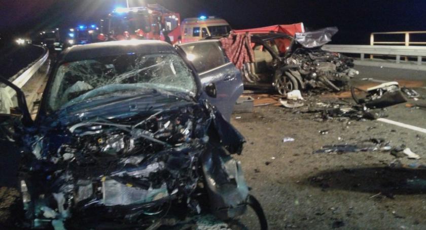 Na sygnale, Troje dzieci zginęło koszmarnym wypadku Mszczonowie - zdjęcie, fotografia