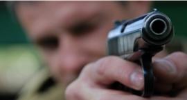 Kobieta postrzelona w głowę i zakopana w piwnicy w Żyrardowe