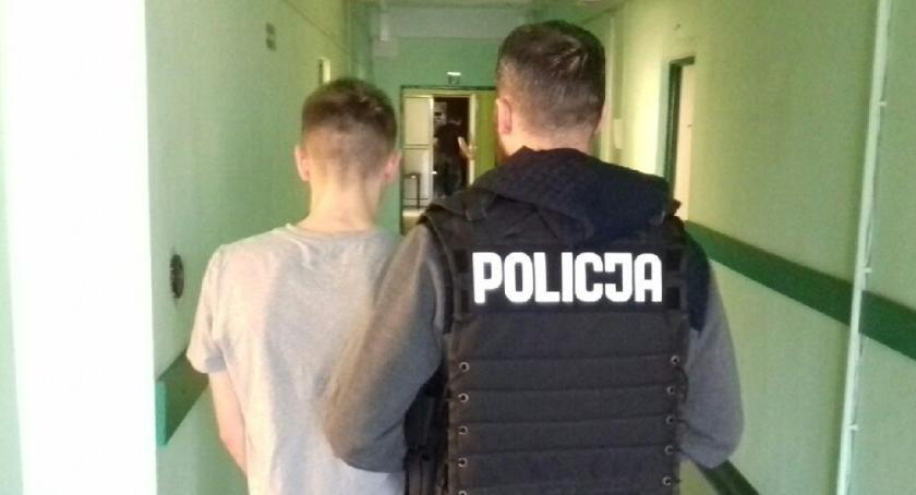 Kronika Kryminalna, Skierniewicach wpadł fałszywy policjant - zdjęcie, fotografia