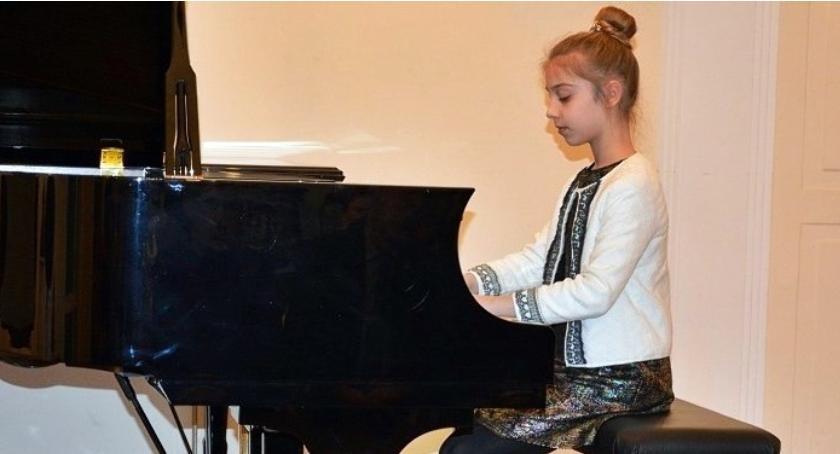 Koncerty - muzyka, Skierniewicka Szkoła Muzyczna fortepian - zdjęcie, fotografia