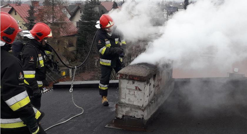 Pożary i wypadki, Skierniewice sąsiad uratował sąsiada - zdjęcie, fotografia