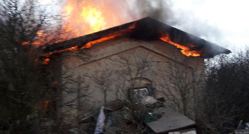 Pożary i wypadki, Tragiczny pożar Mokrej koło Skierniewic - zdjęcie, fotografia