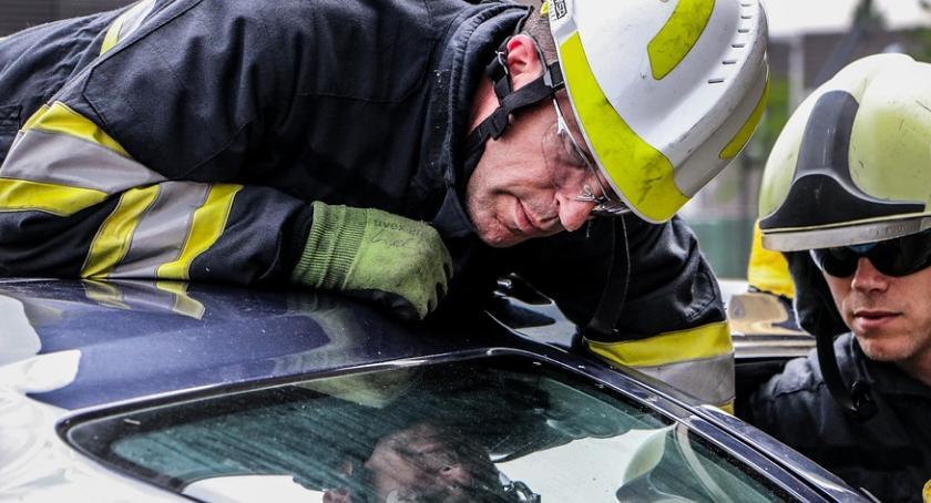 Pożary i wypadki, Zderzenie dwóch pojazdów miejscowości Strzyboga - zdjęcie, fotografia