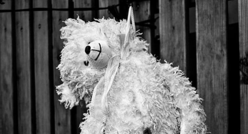 Zdrowie - szpital , Depresja próby samobójcze dzieci kontra niewydolność systemu - zdjęcie, fotografia