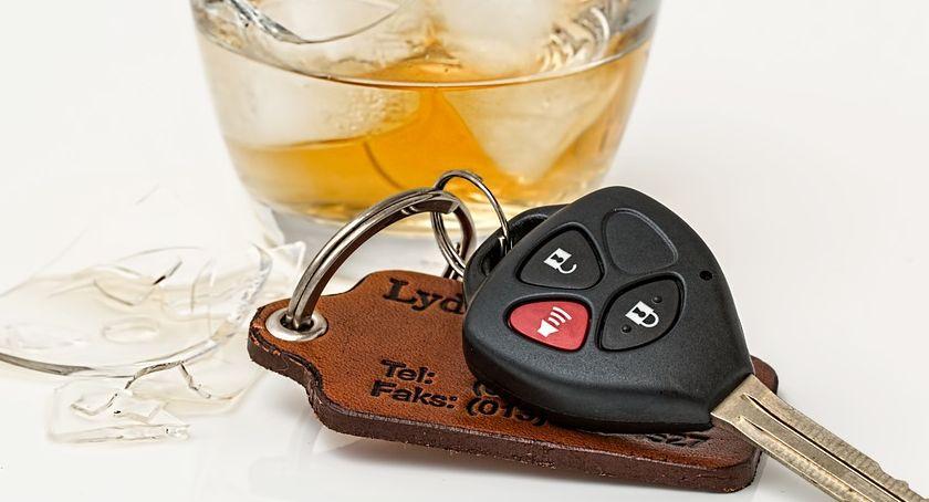 Kronika Kryminalna, Interwencja zakończona zatrzymaniem pijanego kierowcy - zdjęcie, fotografia