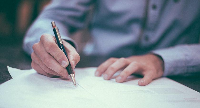 Komunikacja - drogi , Umowa współpracę budowie nowego wiaduktu podpisana - zdjęcie, fotografia