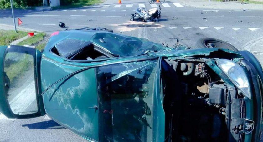 Pożary i wypadki, Zderzenie motocykla samochodem osobowym - zdjęcie, fotografia