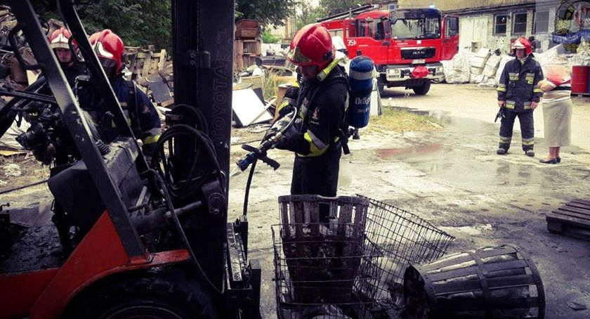 Pożary i wypadki, Pożar wózka widłowego - zdjęcie, fotografia