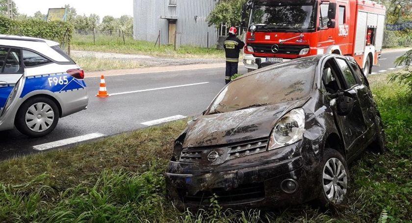 Pożary i wypadki, Zdarzenie drogowe Dąbrowicach - zdjęcie, fotografia