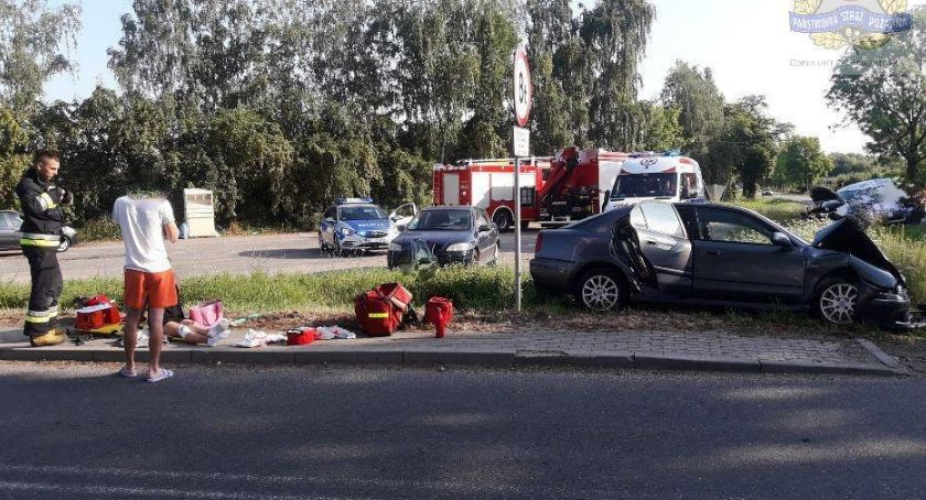 Pożary i wypadki, Wypadek skrzyżowaniu Dąbrowicach - zdjęcie, fotografia