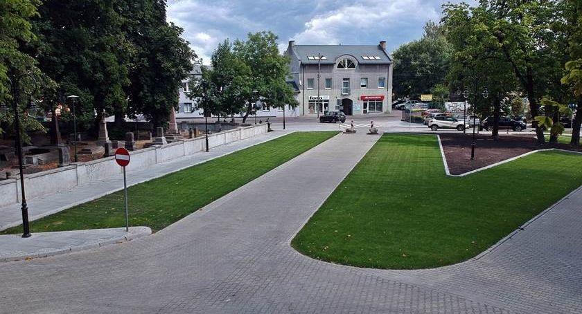 Inwestycje, Zielony parking Rawskiej dostępny dopiero miesiąc - zdjęcie, fotografia