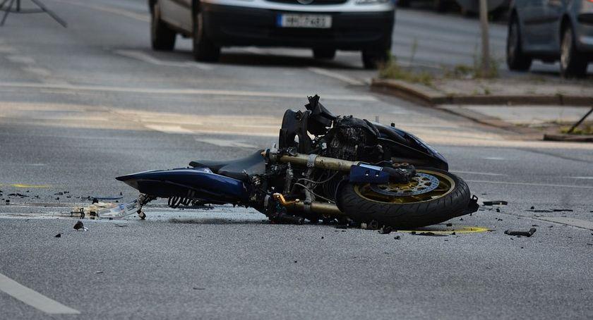 Pożary i wypadki, Poważny wypadek skrzyżowaniu Wyszyńskiego Widok - zdjęcie, fotografia