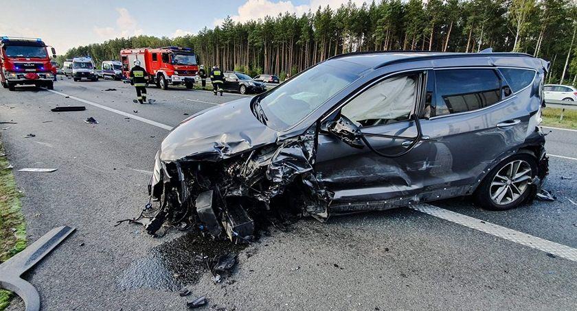 Pożary i wypadki, Groźny wypadek autostrady Interweniował śmigłowiec - zdjęcie, fotografia