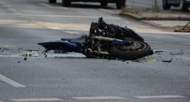 Zderzenie samochodu osobowego z motocyklem na ul. Łowickiej