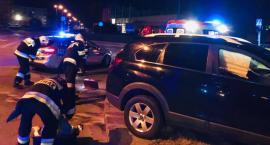 Zderzenie dwóch samochodów osobowych na skrzyżowaniu ul. Mszczonowskiej i Pomologicznej.