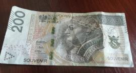 Uwaga na fałszywe banknoty w Skierniewicach