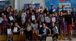 Pływacy z UKS Nawa zdobyli 31 medali!