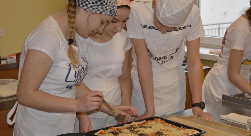 Edukacja, Kolejne warsztaty gastronomiczne młodzieży - zdjęcie, fotografia