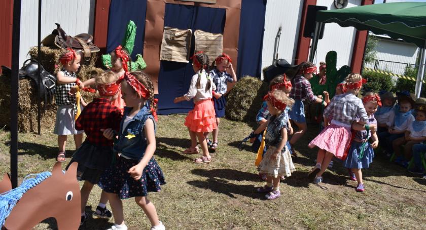 Edukacja, Piknik rodzinny Przedszkolu - zdjęcie, fotografia