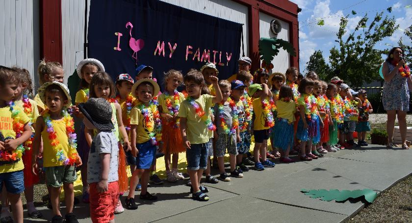 Edukacja, Hawajski Piknik Rodzinny Przedszkolu TereFere - zdjęcie, fotografia