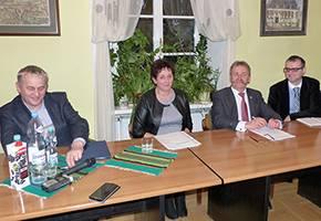 Szpital i opieka społeczna, programu Rodzina Łowiczu Wypłacono ponad - zdjęcie, fotografia