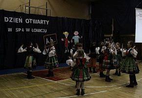 Edukacja, otwarte szkołach przedszkolach Łowiczu - zdjęcie, fotografia