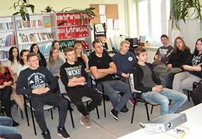 Edukacja, Młodzież wizytą - zdjęcie, fotografia