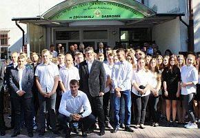 Edukacja, Ponad miliona złotych szkoły Zduńskiej Dąbrowie - zdjęcie, fotografia