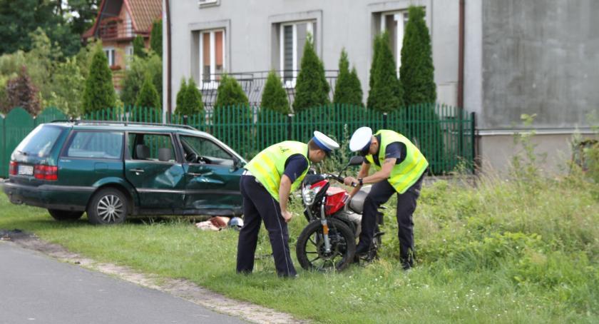Wypadki i kolizje, Motocykl volkswagen zderzyły Parmie - zdjęcie, fotografia