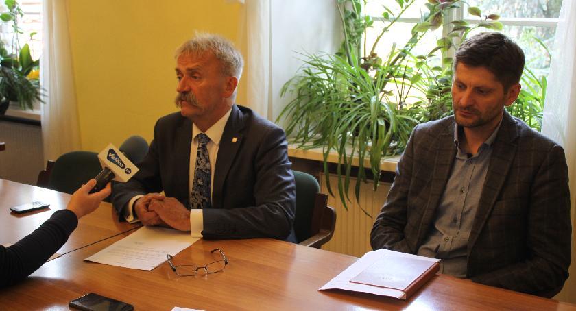Urząd Miejski, Spotkanie zainteresowanych panelami solarnymi - zdjęcie, fotografia