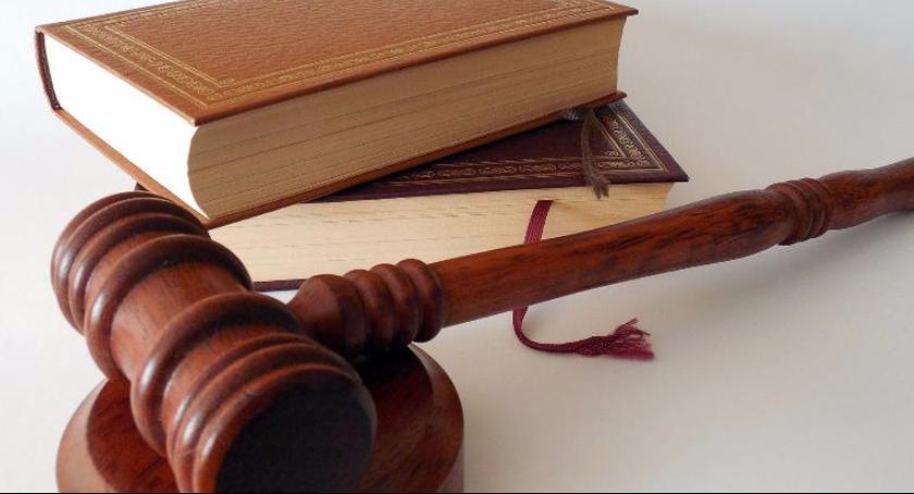Porady prawne, Przesłanki ograniczenia zakazu utrzymywania kontaktów rodzica dzieckiem świetle przepisów - zdjęcie, fotografia