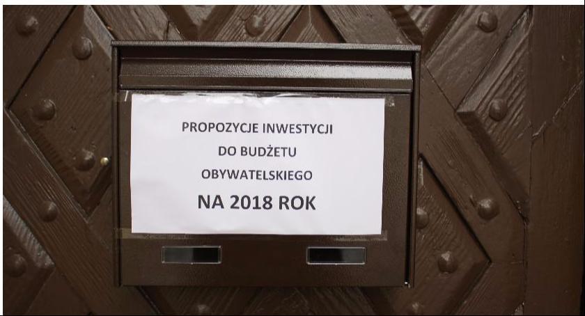Urząd Miejski, Prawie propozycji budżecie obywatelskim - zdjęcie, fotografia