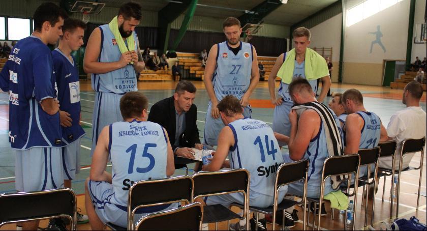 Koszykówka, Zacięty Bielsku Podlaskim Syntex Księżak pokonał lidera! - zdjęcie, fotografia
