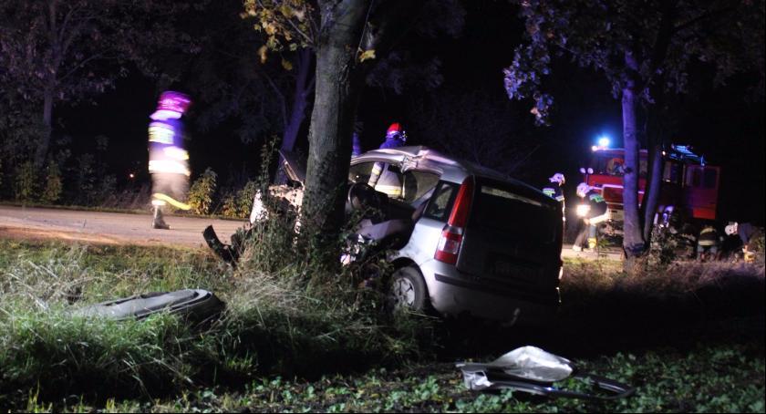 Wypadki i kolizje, Brawurowa jazda przyczyną weekendowych zdarzeń drogowych - zdjęcie, fotografia