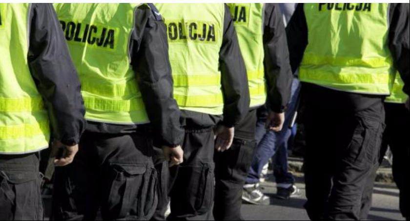 Gospodarka, Łowiczu prowadzi nabór pracy policji - zdjęcie, fotografia