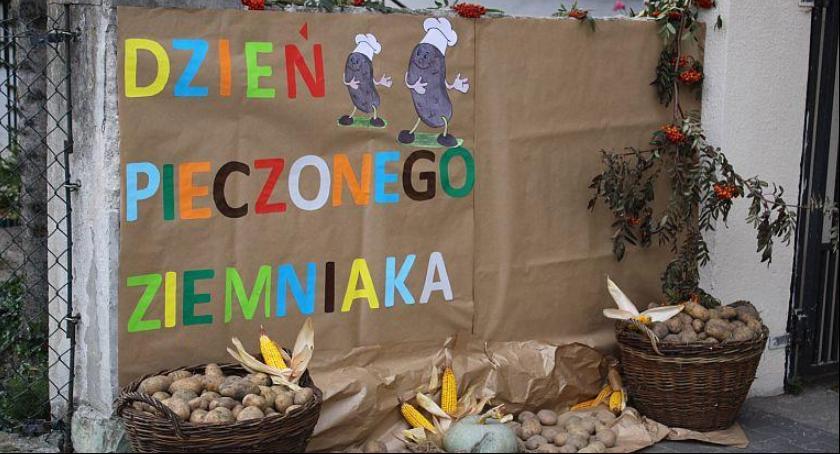 Spotkania, Zaproszenie Dzień pieczonego ziemniaka - zdjęcie, fotografia