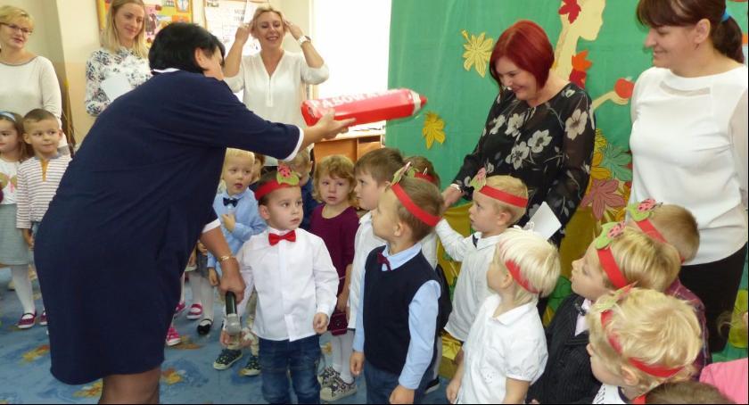 Edukacja, Dzień Edukacji Narodowej Przedszkolu Łowiczu - zdjęcie, fotografia
