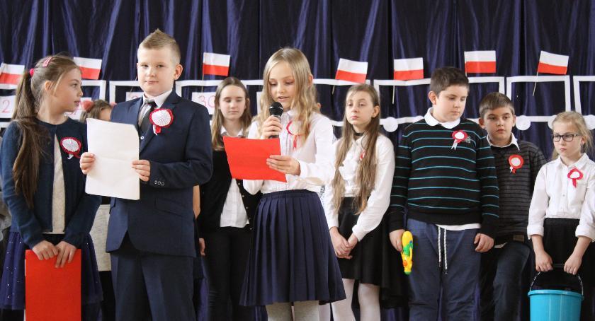 Edukacja, Radosne świętowanie Niepodległej Łowiczu - zdjęcie, fotografia