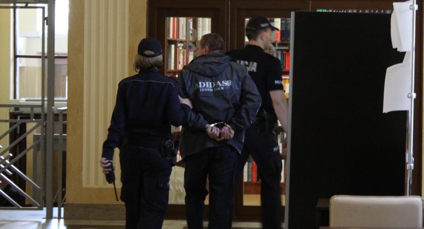 Z sali rozpraw, Wyższy wymiar zabójcy letniej łowiczanki - zdjęcie, fotografia