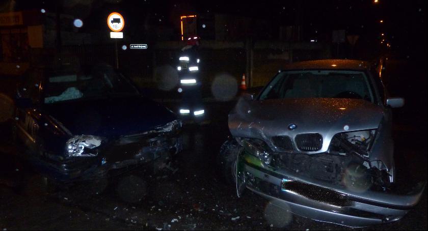 Wypadki i kolizje, Zderzenie volkswagena Armii Krajowej Aktualizacja - zdjęcie, fotografia