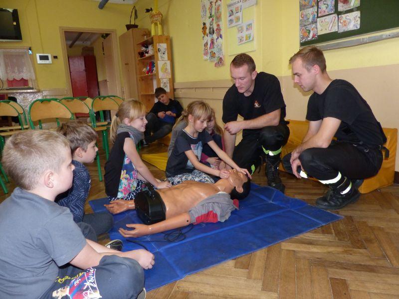 Edukacja, Poznawali zasady udzielania pierwszej pomocy - zdjęcie, fotografia