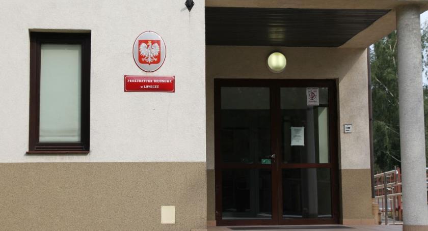 Z sali rozpraw, Prokuratura wykryła sprawcy śmiertelnego pobicia - zdjęcie, fotografia