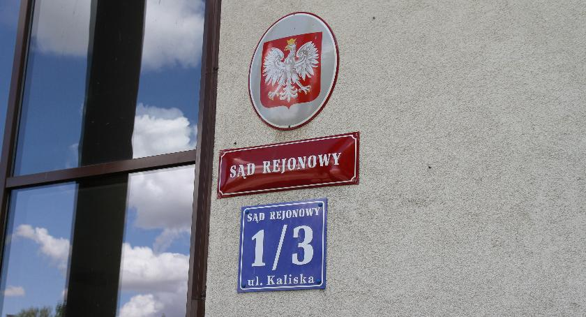 Z sali rozpraw, Sędziowie Łowiczu podjęli uchwałę pikiet sądem - zdjęcie, fotografia