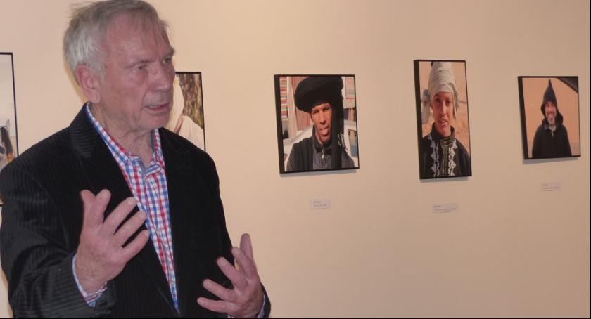 Wystawy, Wieloletni efekt Podróży różnych stron świata Lecha Kowalskiego prezentowany Muzeum Łowiczu - zdjęcie, fotografia