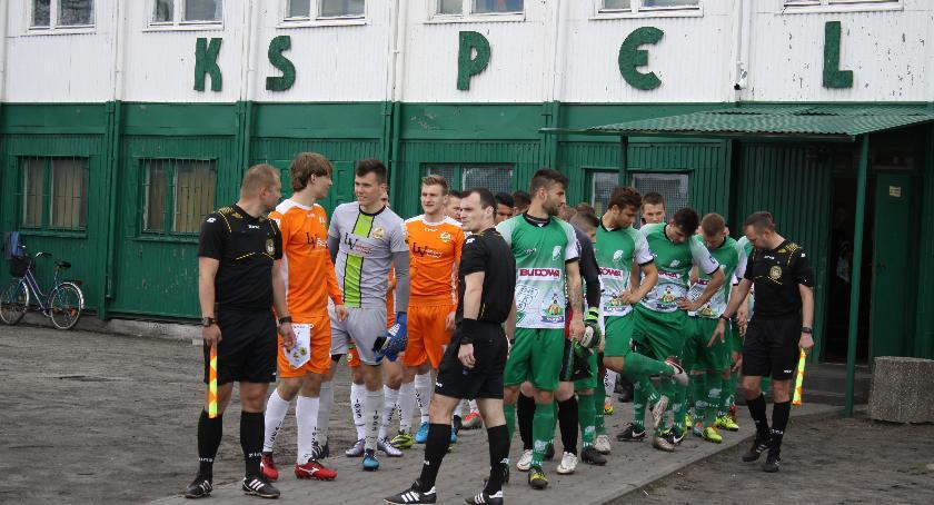 Piłka nożna, Władze Pelikana rozstały menedżerem klubu - zdjęcie, fotografia