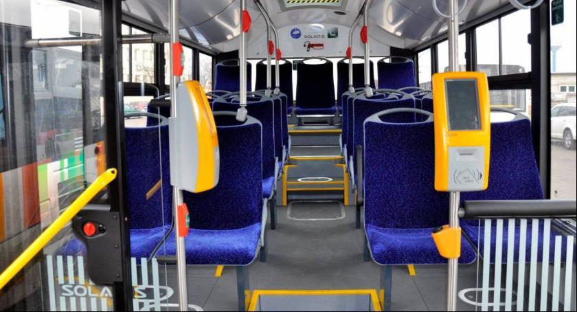 Urząd Miejski, tydzień prezentacja nowych autobusów - zdjęcie, fotografia