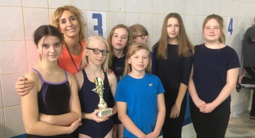 Pływanie, Drużynowe zawody pływackie uczniów łowickich podstawówek - zdjęcie, fotografia